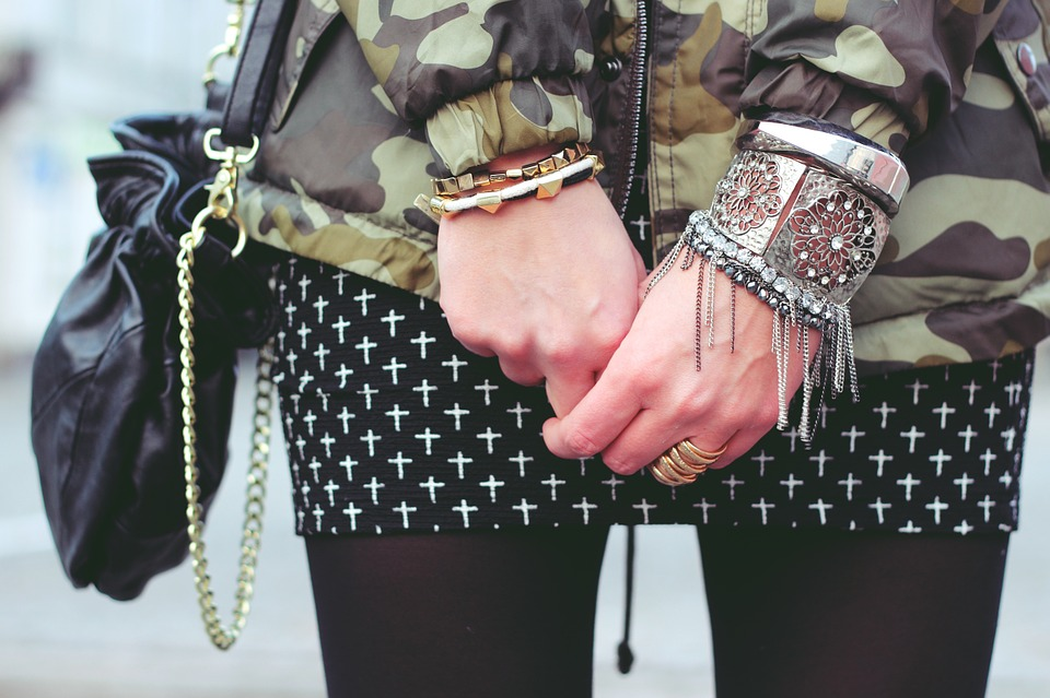 How To Travel With Jewelry Safely